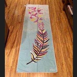 Myogalife Patterned Feather Bird Yoga Towel